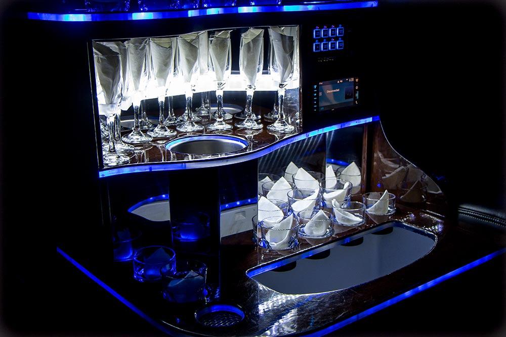 Limousine glassware